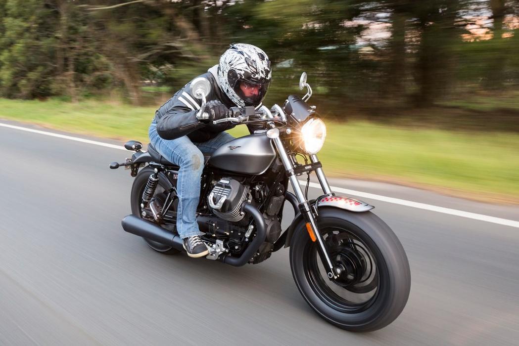 2016 Moto Guzzi V9 Roamer Bobber Launch Review