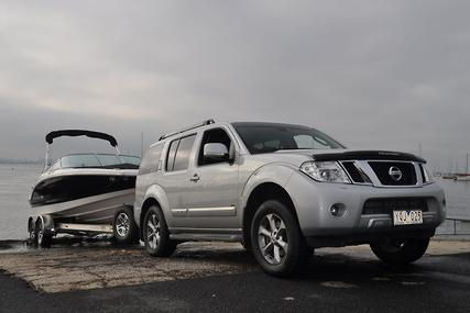 nissan pathfinder ti 550 tow test boat news review. Black Bedroom Furniture Sets. Home Design Ideas