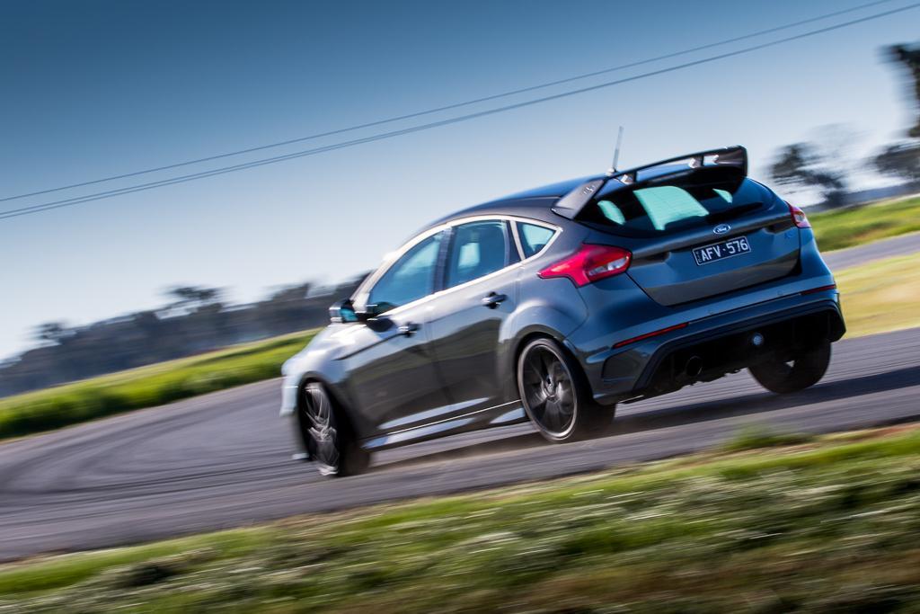 best performance car under 100k ford focus rs motoring au. Black Bedroom Furniture Sets. Home Design Ideas
